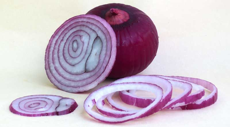 10 MEDICAL ADVANTAGES AND MEDICINAL USES OF ONION