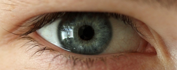 EYE CARE MISTAKES YOU DON'T KNOW YOU'RE MAKING