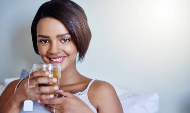 HOW TO STAY YOUNG-10 TIPS TO LOOK & FEEL YOUNGER