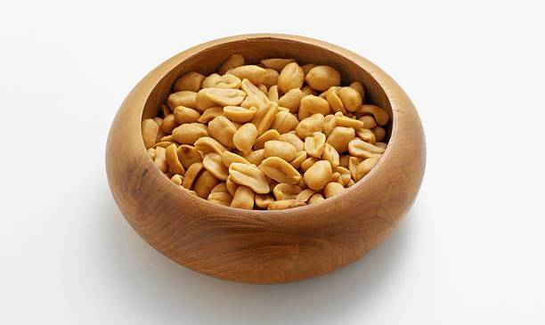 Peanuts : Nutrition Facts and Health Benefits
