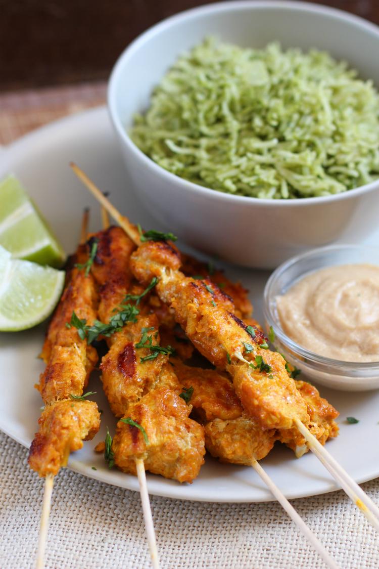 pollo satay con salsa de maní - receta paso a paso - comida malasia indonesia