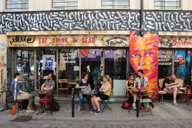 Paris, Francia - Le Barbouquin, café - Belleville