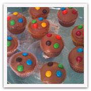 Grupo de Cupcakes con M&Ms