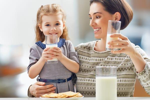 Beneficios de tomar leche organica