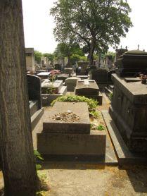 Zardine's poor artists grave.