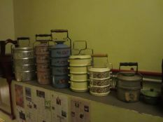 mangkuk tingkat (leveled bowls)