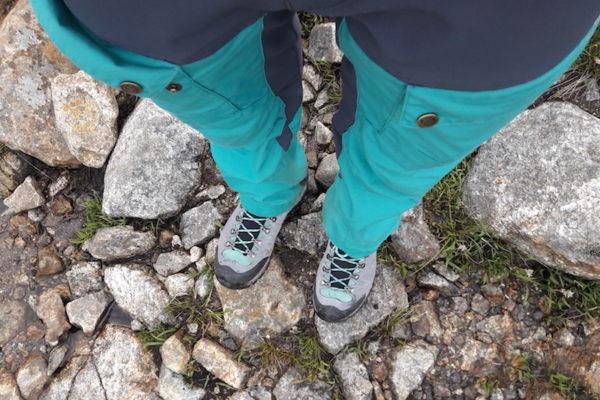 Mit Kollegen zu Besuch die neuen Wanderschuhe am Einlaufen hoch zum Uburen bei Forsand (leider sind meine alten Wanderschuhe prompt beim ersten Norwegen-Kontakt kaputt gegangen; deshalb nun mit völlig überteuerten, aber durchaus bequemen Wanderschuhen unterwegs).