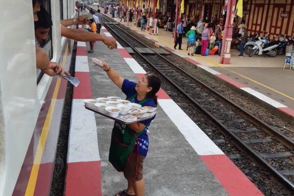 Zugfahrt Bangkok - Prachuap Khiri Khan Verpflegung