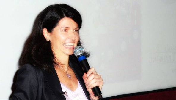 sabrina cadini speaking live audience stage presentation talk life-work balance meeting conference speaker