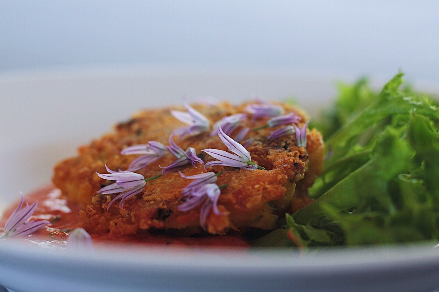 Dungeness Crab Cakes with Roasted Red Pepper Sauce (Low Carb and Gluten Free)