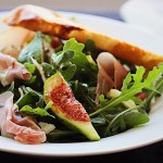 Delicious Fig Salad with Arugula, Fennel and Prosciutto