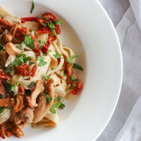 Healthy Chicken Pasta with Mushrooms and Sun Dried Tomatoes