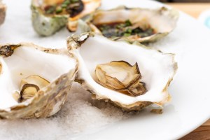 Barbecued Oysters Steamed In Their Shell