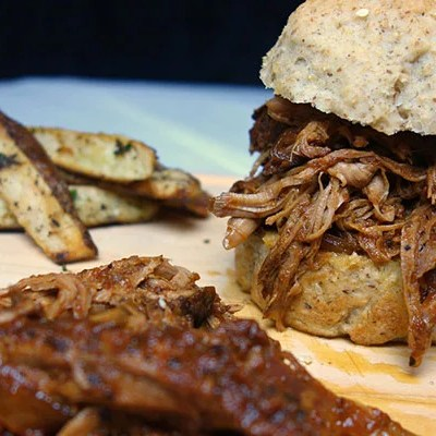 Paleo Slow-Cooker BBQ Pulled Pork Sandwiches