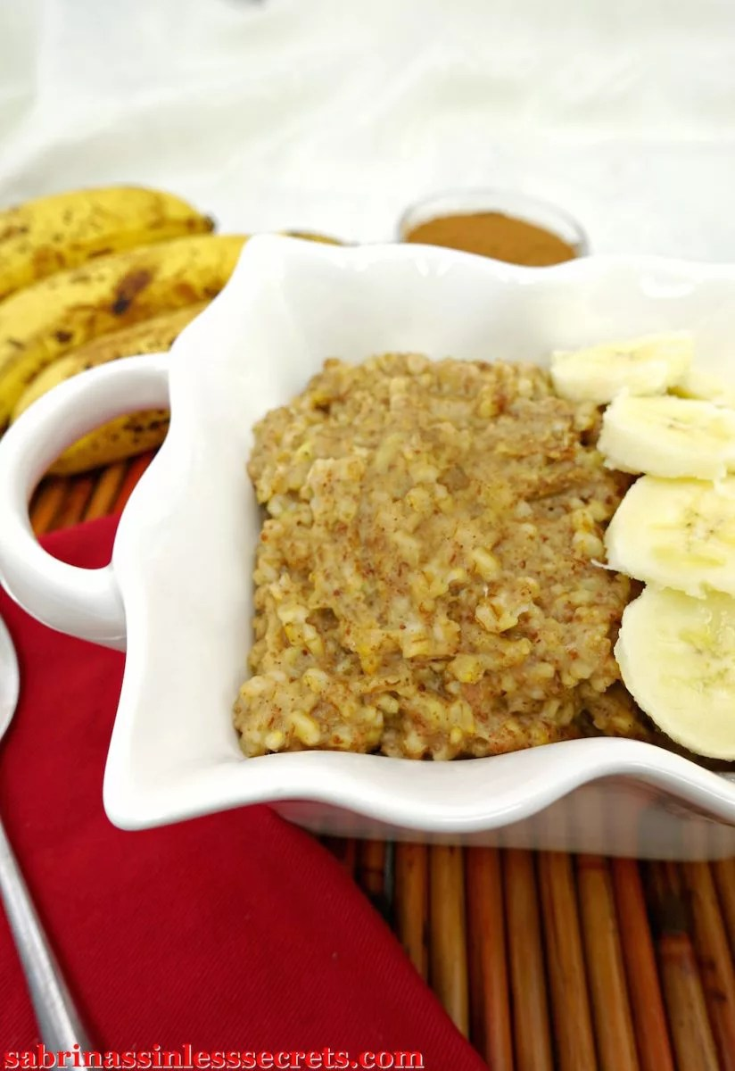 """This breakfast tastes like a treat, erasing the """"healthy breakfast"""" stigma of steel-cut oats—yes, even for the picky eaters! This creamy oatmeal tastes like a banana cinnamon bun! Nutritious, energy-packing, and delicious? It almost sounds too good to be true! This oatmeal is gluten-free, vegan, dairy-free, refined sugar-free, and clean-eating!"""