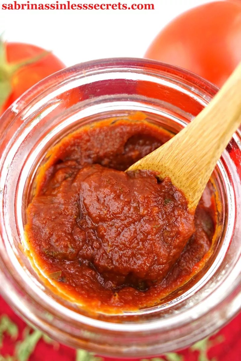 This Paleo and Vegan Easy Pizza Sauce is the perfect addition to your pizza needs! It's quick and simple to make, tastes delicious, and it's gluten-free, dairy-free, refined sugar-free, preservative-free, non-GMO, and clean-eating!