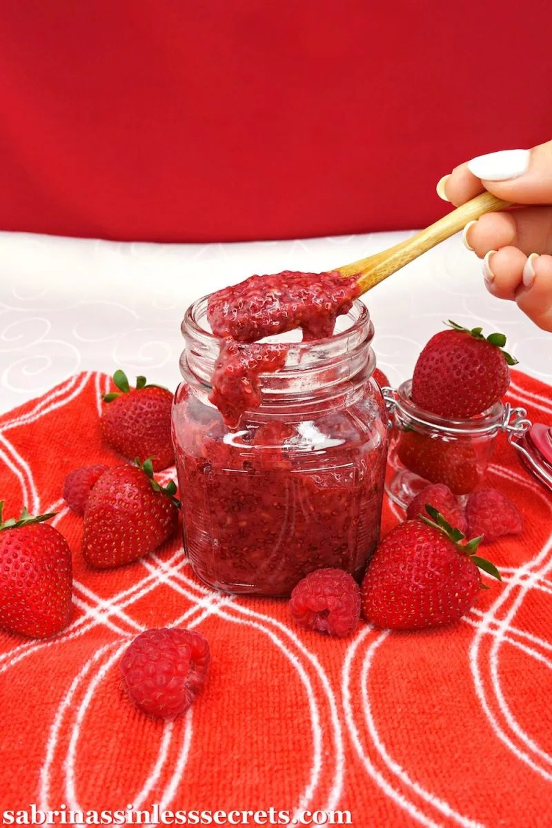 This thick, spreadable Paleo and Vegan Strawberry Raspberry Jam goes deliciously on just about anything! It's sweet, full of flavor, and contains NO artificial ingredients. This jam is quick and easy to make, gluten-free, grain-free, dairy-free, refined sugar-free, and clean-eating!