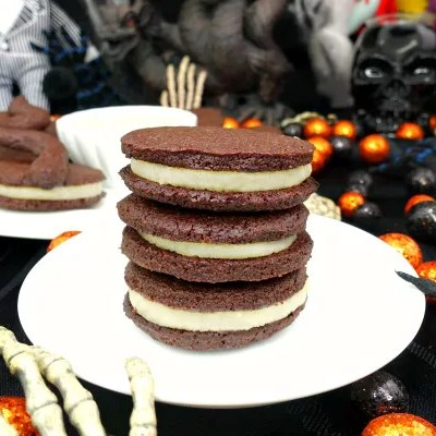 These Oreo-style cookies are not your typical Oreo—DELICIOUS, yes, but one thing they have over traditional Oreos is that they're completely sinless! That's right, you don't have to stress about indulging in these Paleo and Vegan Oreo Cookies, because they're gluten-free, dairy-free, refined sugar-free, and clean-eating approved!