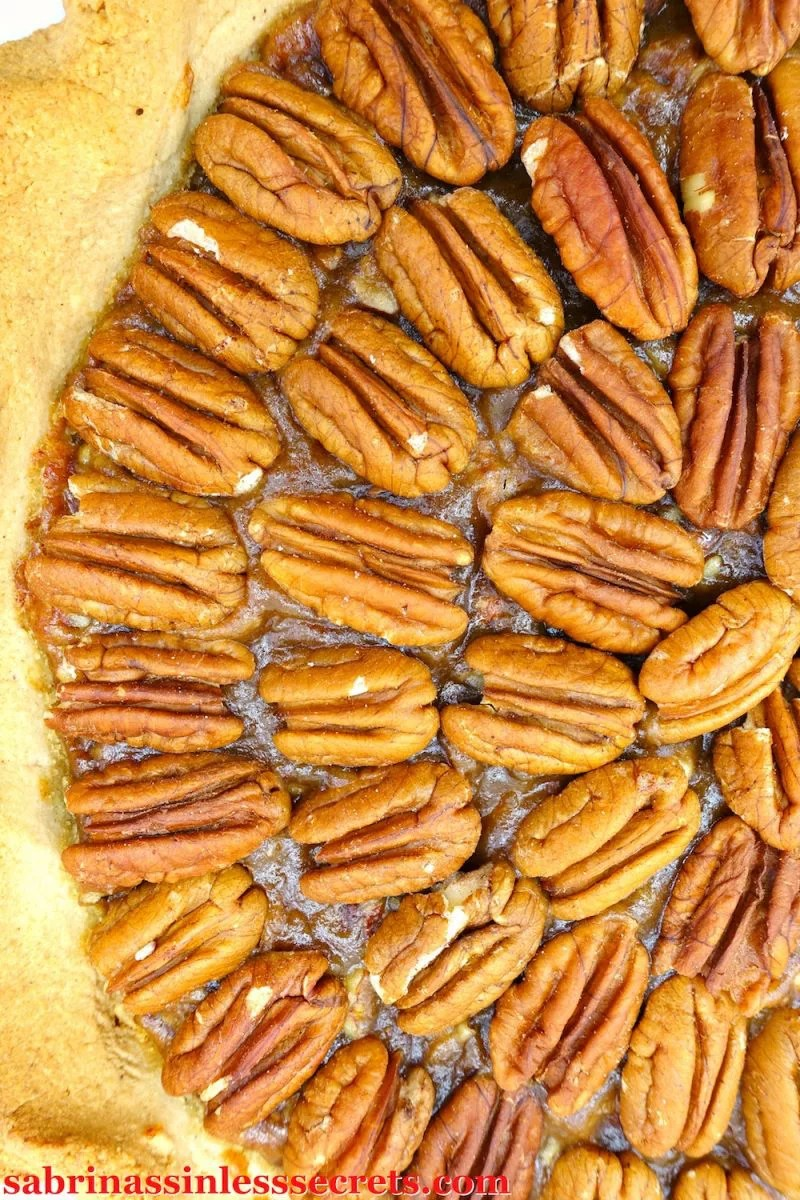 You can't have a holiday season without pecan pie. However, it's traditional, unhealthy ingredients can make you feel like you're eating a plate of guilt. Instead, this sticky and delicious Paleo and Vegan Classic Pecan Pie will send you into happiness, while staying true to your healthy lifestyle needs. This pie is Paleo, gluten-free, dairy-free, refined sugar-free, vegan, and clean-eating!