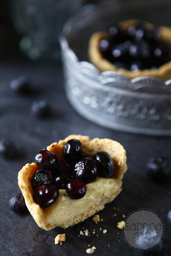 blueberry vanilla pudding tartlets