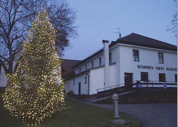 Der Klosterhof bei Nacht