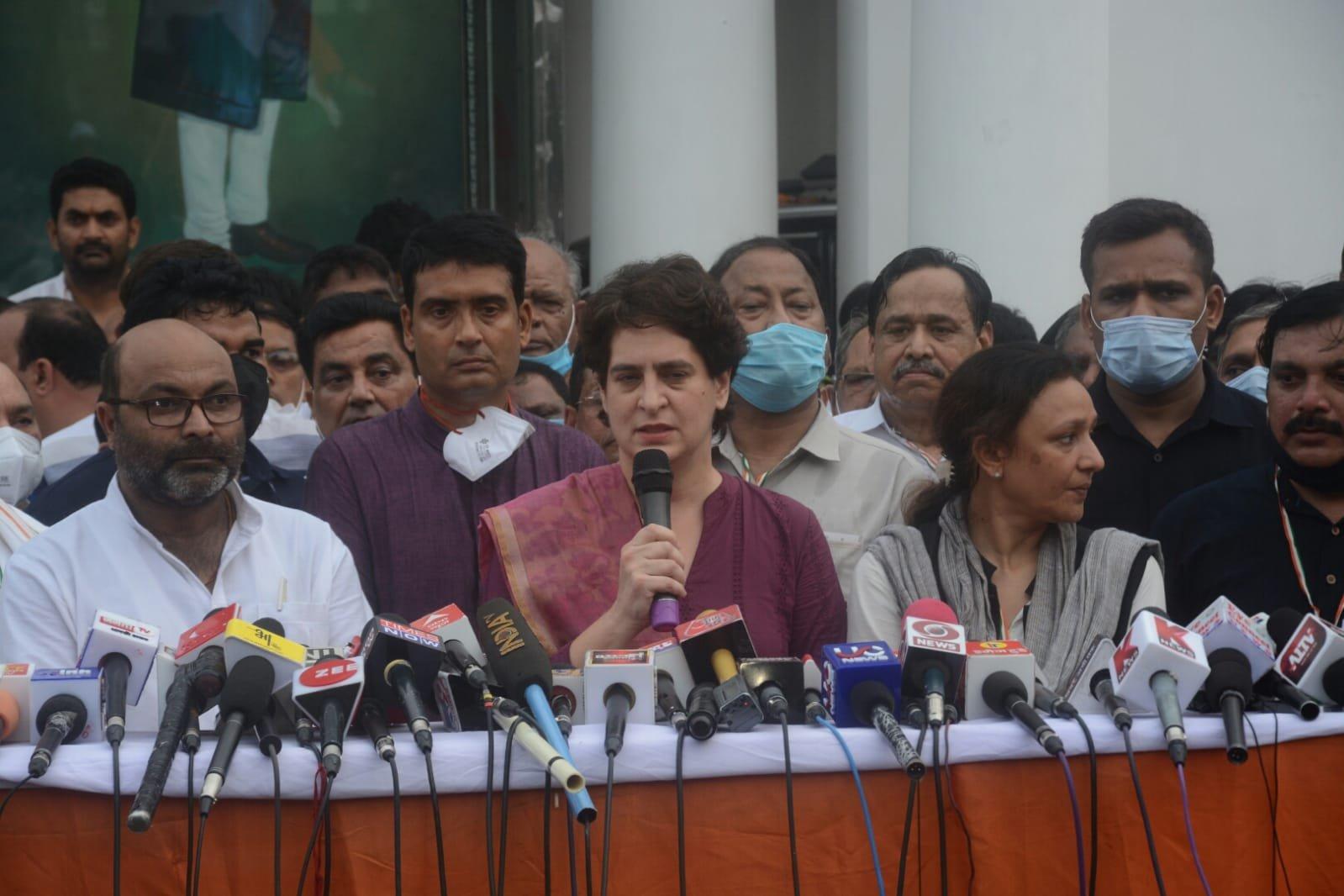योगी आदित्यनाथ पर प्रियंका गांधी का बड़ा हमला, कहा- संविधान नष्ट, लोकतंत्र का चीरहरण और…