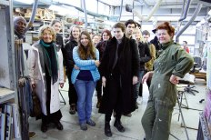 SACI sculpture students with Helaine Bluemenfeld at the Mariani Foundry