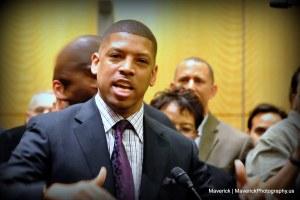 News 120306 ArenaVoteCityCouncil Mav 029 - Opinion:  Sacramento would be better with a 'strong mayor'