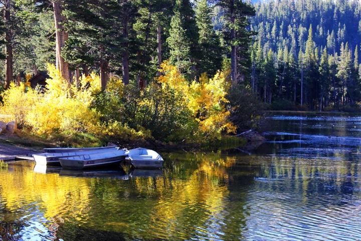 Mammoth Lakes in Fall - Twin Lakes