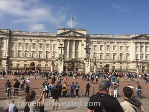 Photo of Buckingham Palace prior to Changing of the Guard