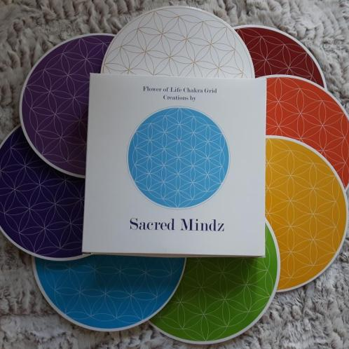 flowe of life chakra crystal grids