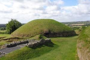 Knowth - Joan Clark's Mystical Pilgrimage to Ireland