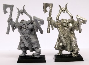 metal vs plastic miniatures