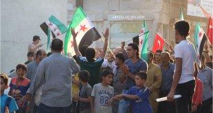 المتظاهرون في الاتارب طالبوا بحماية الشمال السوري