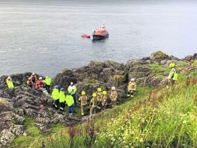 2382 Lad Cliffside Rescue (3)