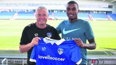 Jonathan Benteke signs