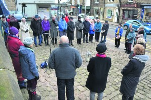 holocaust-memorial-peace-vigil-uppermill-2