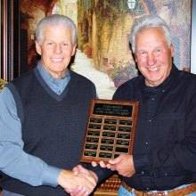 SMGA President Greg Tarr presents Super Senior plaque to 2016 Super Senior Champion Don Bilyk.