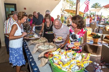 Residents choosing their dinner