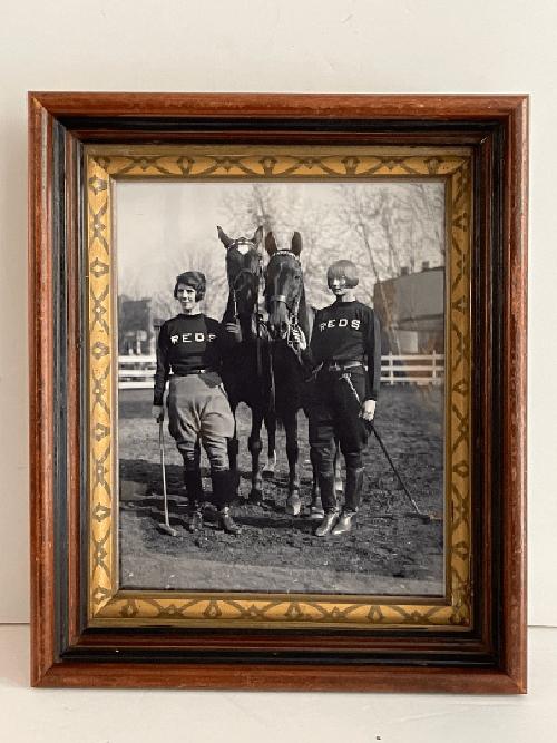 Vintage photo équestre de deux joueuses de polo des années 1920