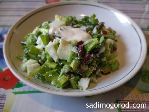 салат с черемшой и яйцами 7