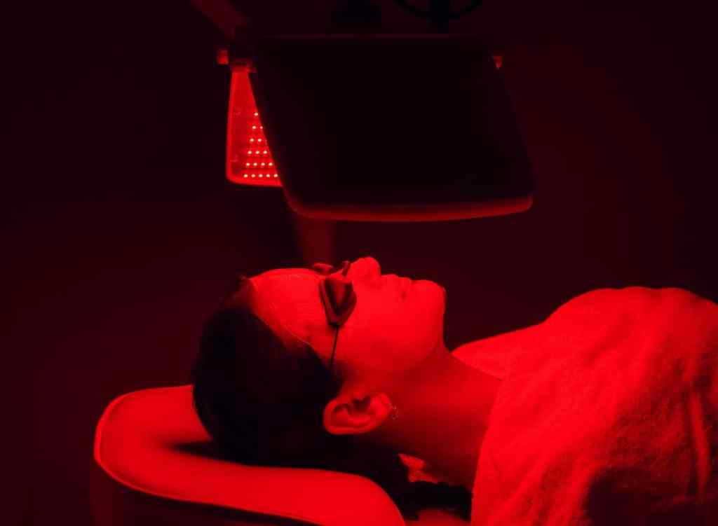 Can Red Light Therapy be Harmful - sadlampsusa.com