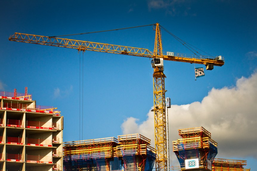 crane working on building