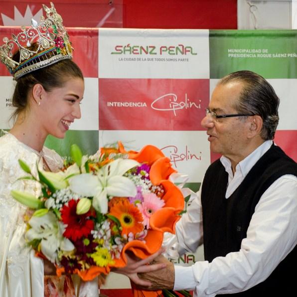 Tatiana y el Intendente Gerardo Cipolini.