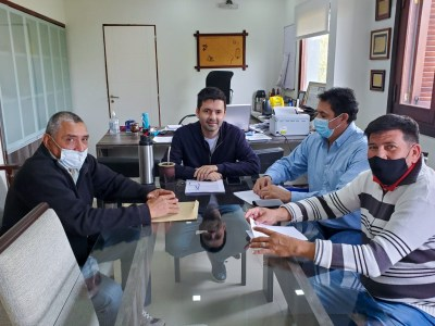 El intendente Bruno Cipolini firmó el acta acuerdo de aumento salarial para los Empleados Municipales