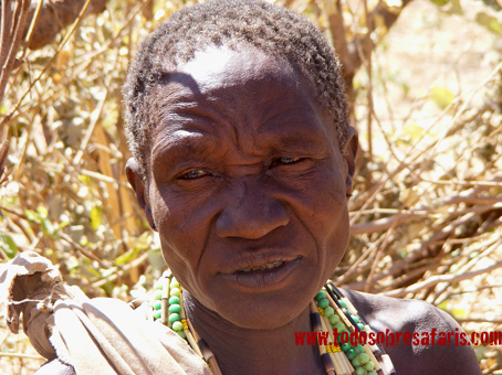 Mujer Hadza. Tanzania. Agosto de 2007