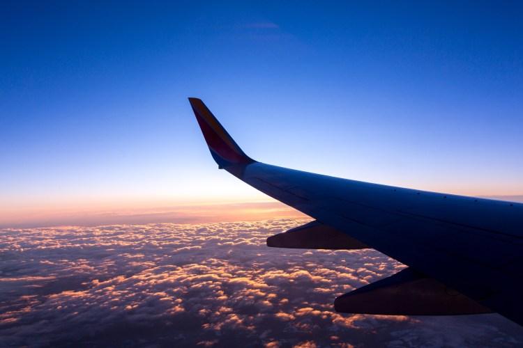 Flugzeug im Landeanflug auf OR Tambo