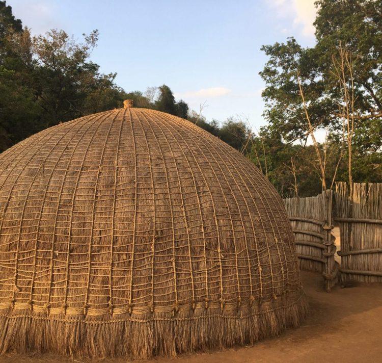 Bienenstockhütte