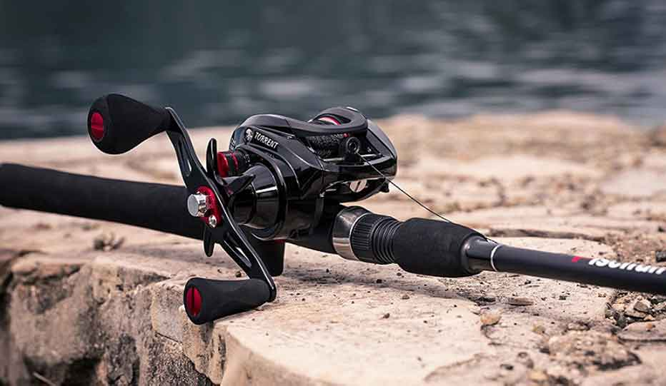 Choose a Lightweight Baitcasting Rod