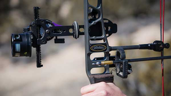Choosing the Best Peep Sight for Bow (Buying Guide)